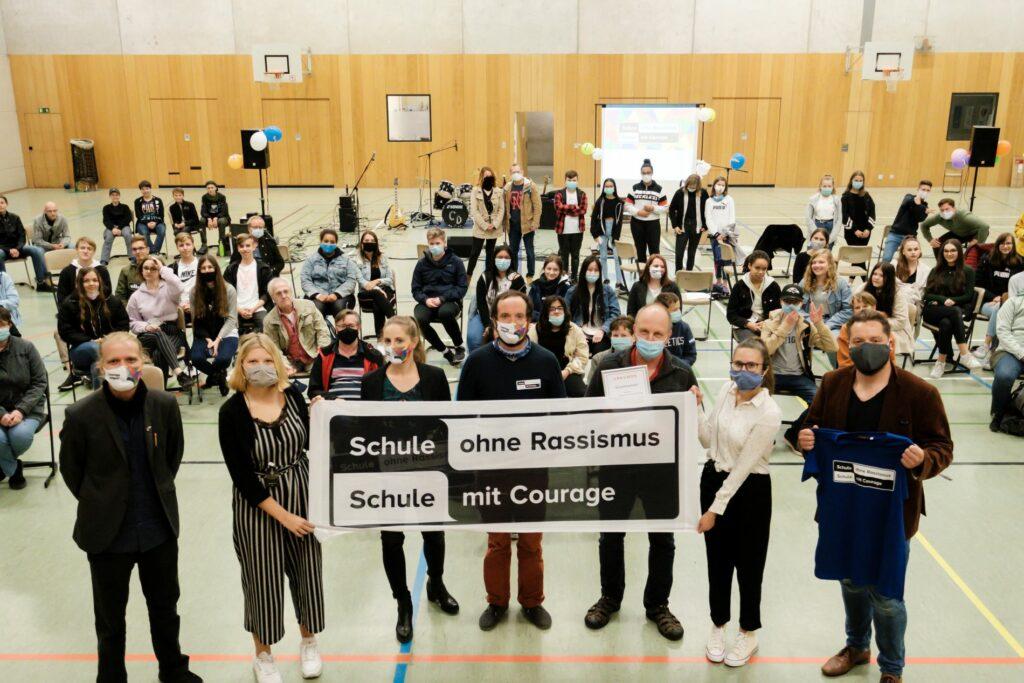 Titelverleihung an einer Berliner Schule während der Corona-Pandemie