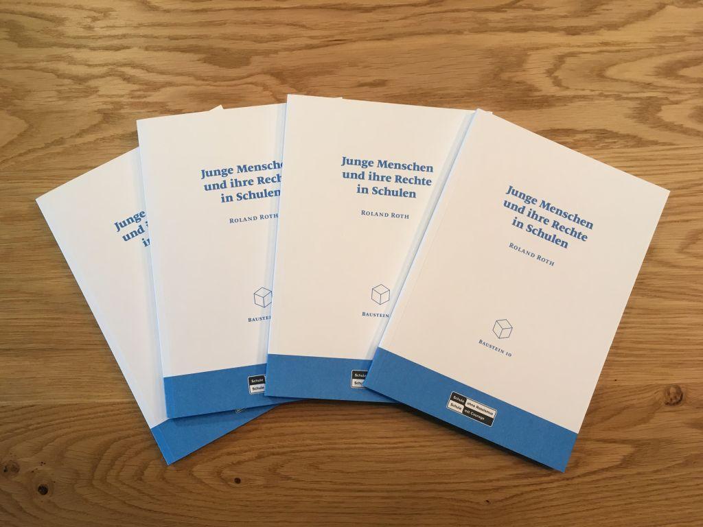 Cover des Bausteins Junge Menschen und ihre Rechte in Schulen von Roland Roth